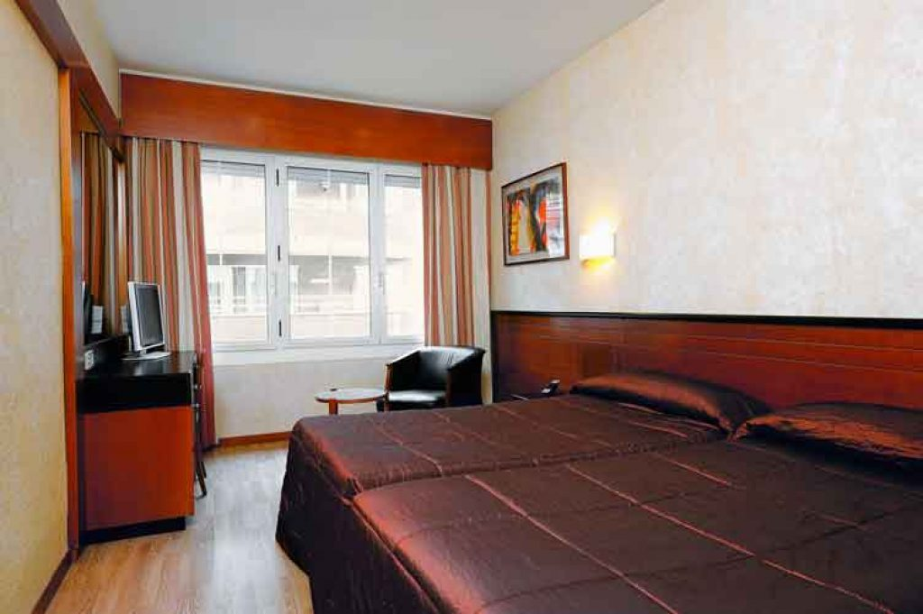 r servation votre s jour de 7 nuits tout compris l h tel derby barcelone espagne. Black Bedroom Furniture Sets. Home Design Ideas